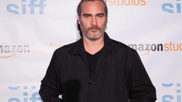 Joaquin Phoenix será o Coringa em novo filme sobre a origem do vilão