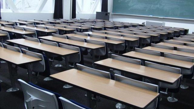 Bolsas de estudos podem ser interrompidas em 2019, diz Capes