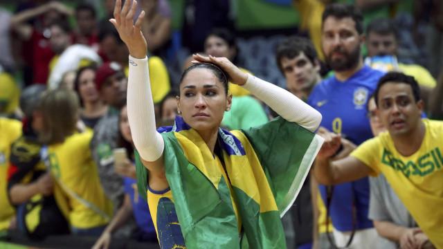 Bicampeã olímpica, Jaqueline anuncia aposentadoria da seleção
