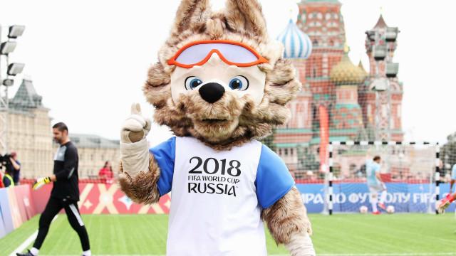 Estátua de mascote oficial da Copa de quase 2 m é roubada na Rússia