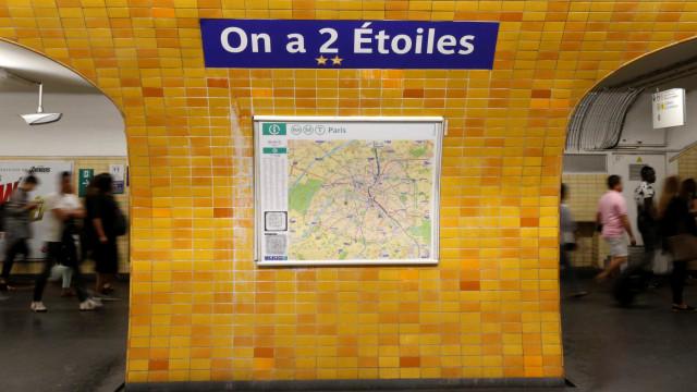 Metrô de Paris muda nome de estações para homenagear campeões