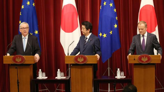UE e Japão fecham acordo ambicioso e criam bloco comercial
