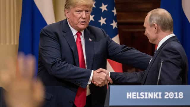 Trump culpa Putin por ingerência russa em eleições