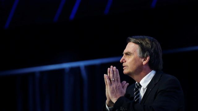 Bolsonaro vai a igreja e pode ser enquadrado por propaganda irregular