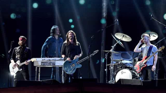 Filha de Dave Grohl faz backing vocal em turnê do Foo Fighters