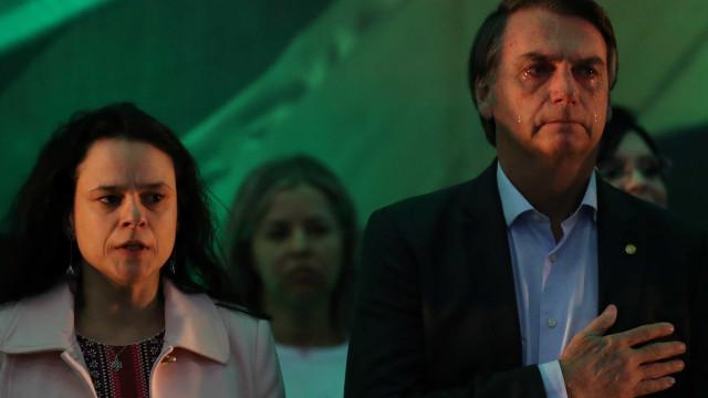 Janaina Paschoal defende quebra de sigilo de Flávio Bolsonaro