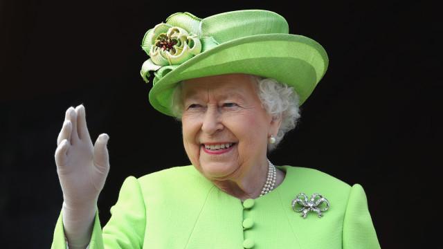 Rainha Elizabeth 2ª convida mãe de Meghan Markle para passar Natal
