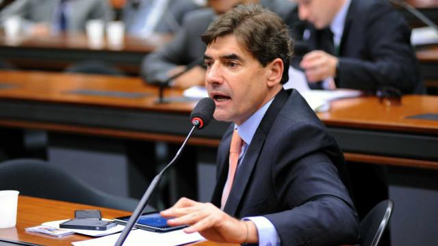 Bolsonaro já pode esperar telefone tocar, provoca aliado de Alckmin