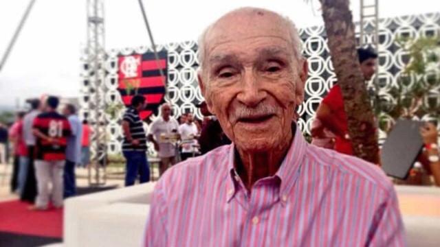Morre ex-goleiro do Flamengo vítima de parada cardíaca