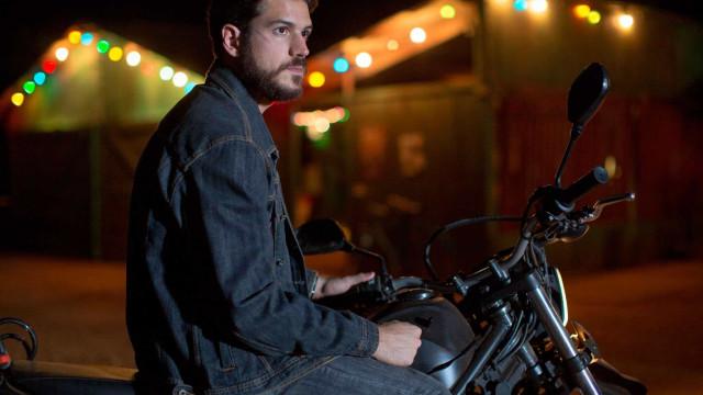 Marco Pigossi interpreta pistoleiro em novo filme