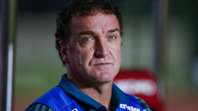 'O Santos não vai cair', afirma técnico Cuca