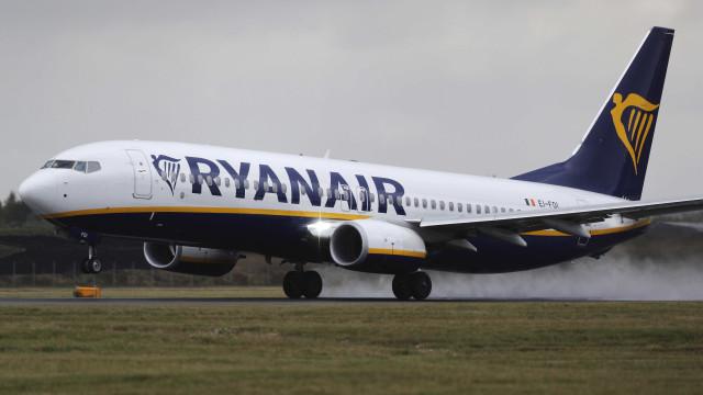 Pânico a bordo! Avião da Ryanair é evacuado em Barcelona; vídeo