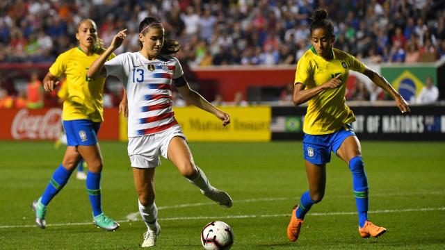 Seleção feminina é goleada e EUA conquistam Torneio das Nações