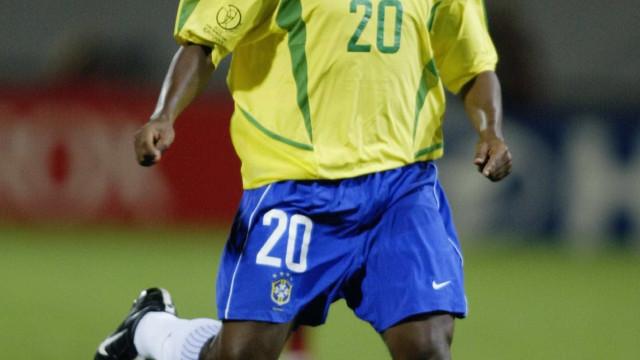 Preso, ex-jogador Edílson 'Capetinha' é transferido para Florianópolis