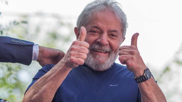 Lula sobre Aécio: 'Não aceitou a derrota e acendeu o pavio do golpe'