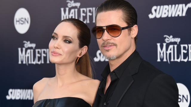 Rancor? Brad Pitt tira fotos de Angelina Jolie de casa, diz site