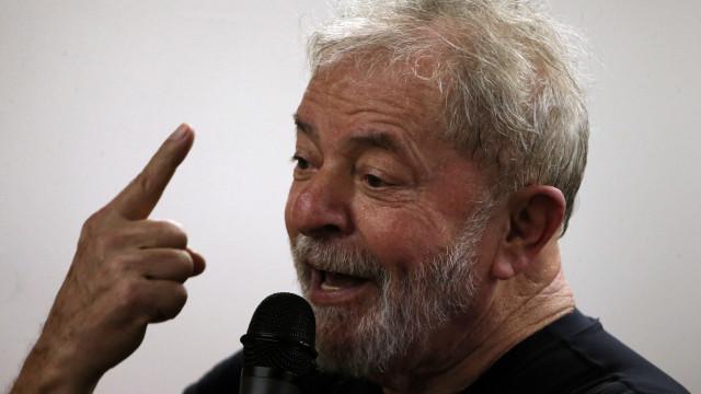 Defesa de Lula recorre ao Supremo para que ele possa disputar eleição
