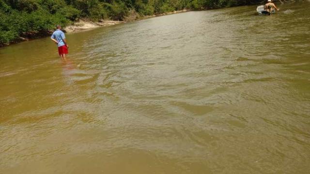 Meninas tentam salvar irmã de afogamento, mas três delas morrem