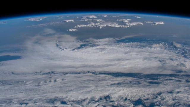 Astronauta fotografa incêndio em Portugal visto do espaço