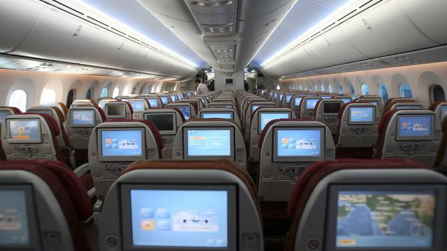 Senado aprova proibição de cobrança para marcação de assento em avião