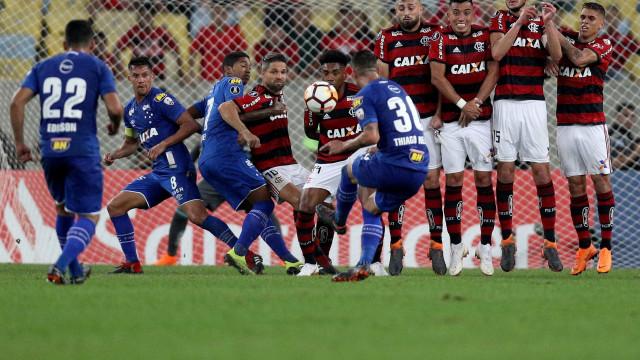 Cruzeiro vence o Fla no Rio e encaminha classificação na Libertadores
