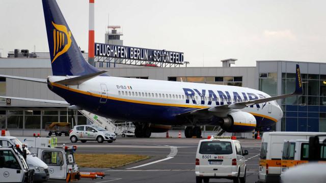 Órgão antitruste suspende política de bagagem de companhia low cost