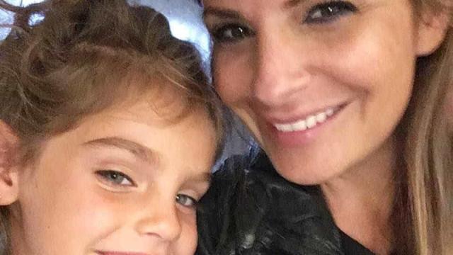 Mulher é presa com a filha de 4 anos após tomar vinho em Dubai