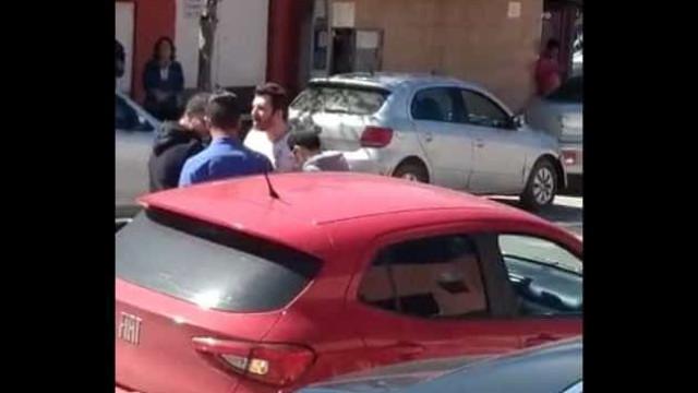 Após discussão no Facebook, vereador agride morador no interior de SP