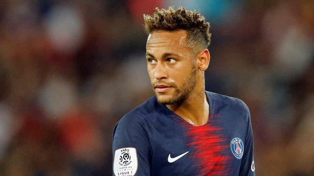 Neymar aplica caneta e marca golaço pelo PSG; assista!