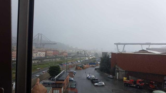 Viaduto desaba na Itália; há pessoas e carros sob os escombros