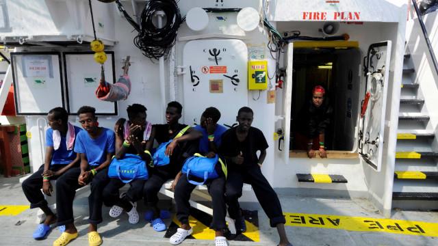 Seis países da União Europeia receberão imigrantes da Aquarius