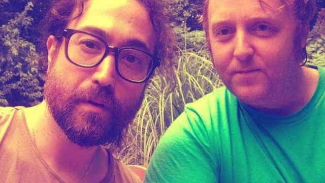 Filhos de John Lennon e Paul McCartney postam foto juntos