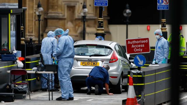 Identidade de homem que jogou carro contra Parlamento é revelada