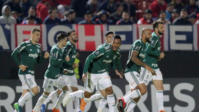Sem levar gol há 6 jogos, Palmeiras quer voltar a vencer fora de casa