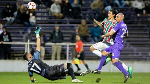 Com gol de Pedro, Flu vence o Defensor e segue na Sul-Americana