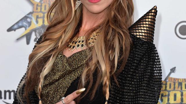 Vocalista da banda heavy metal Huntress morre aos 42 anos