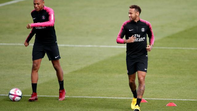 Paris Saint-Germain vence com gol de Neymar e dois de Mbappé