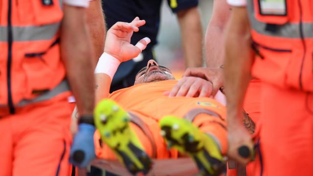 Após choque com CR7, goleiro do Chievo Verona é internado em hospital