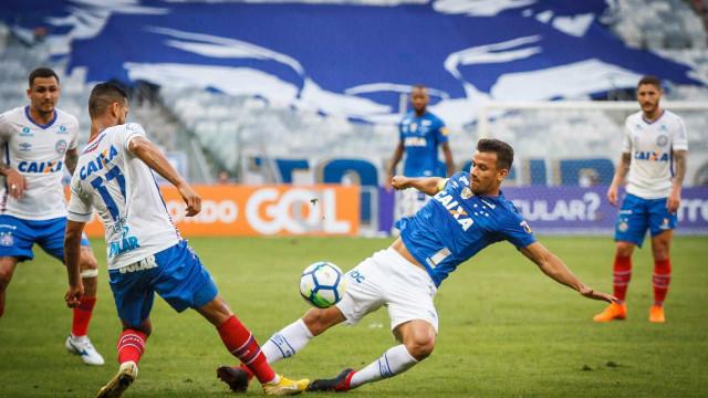 Cruzeiro sai atrás, mas consegue empate contra o Bahia no Mineirão