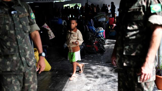 Governo quer que RR peça ajuda do Exército para crise migratória