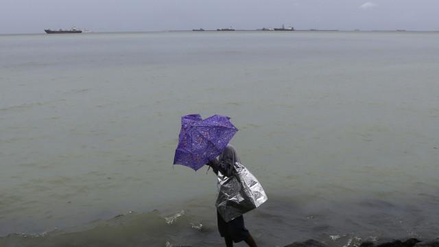 Tufão Rumbia deixa pelo menos nove mortos e provoca estragos na China