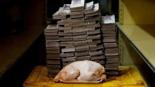 Plano econômico de Maduro entra em vigor na Venezuela
