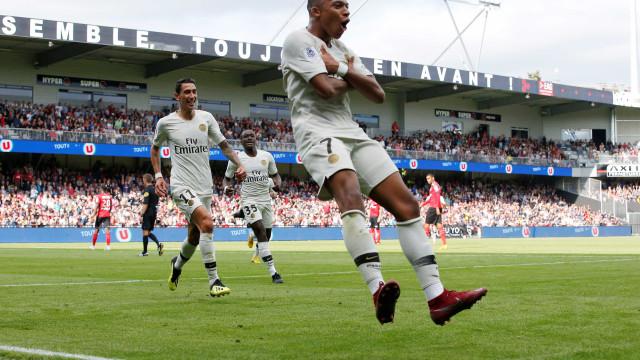 PSG compara gol de Mbappé com 'pintura' de Ronaldinho Gaúcho