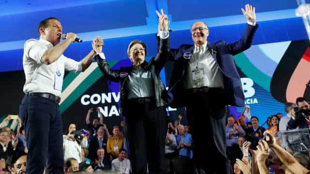 Alckmin se confunde e diz que chamou Kátia Abreu para vice