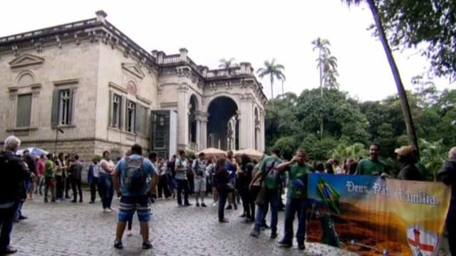 'Queermuseu' derruba classificação proibitiva para 14 anos na Justiça