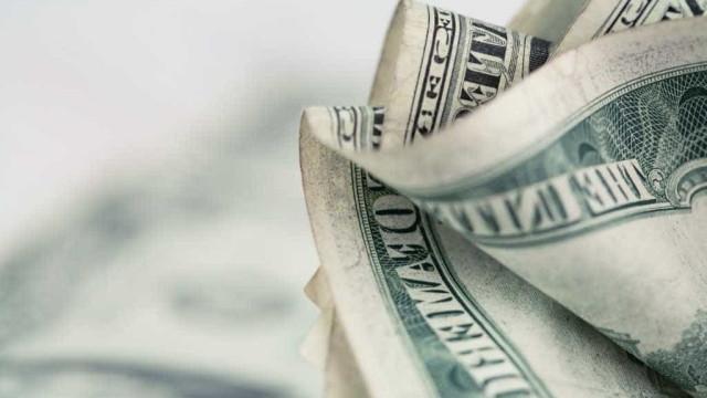 Dólar turismo chega a R$ 4,52 na opção cartão pré-pago