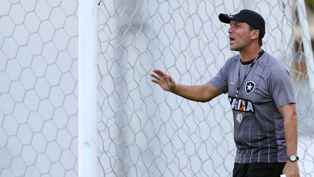 Zé Ricardo pede apoio e incentivo da torcida na luta contra Z-4