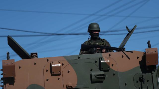 Forças Armadas fazem operação em comunidades de Angra dos Reis