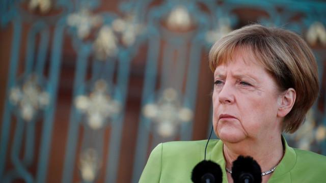 Estudante confessa ataque hacker a políticos na Alemanha