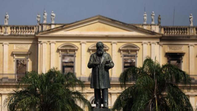 Em carta, diretor cobra comprometimento com Museu Nacional